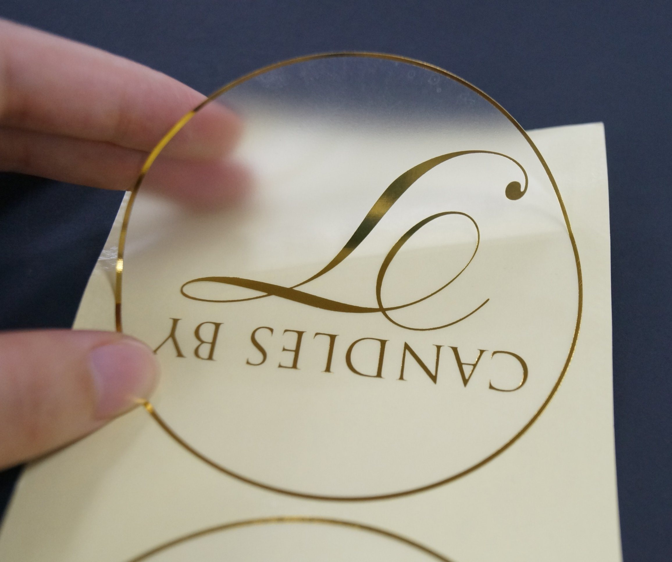 China gold foil round plastic adhesive label stickers china clear plastic label stickers printing gold round stickers