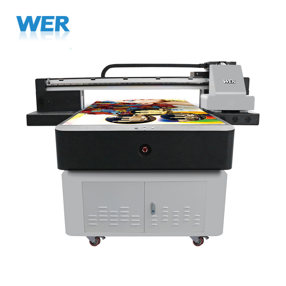 Large Format UV Flatbed Printer with Varnish Color Wer-Et1510UV pictures & photos