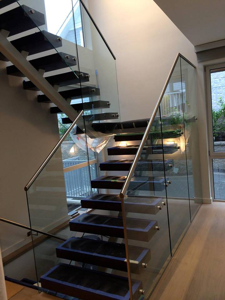 China Staircase Railing Designs With Glass Staircase Glass Railing