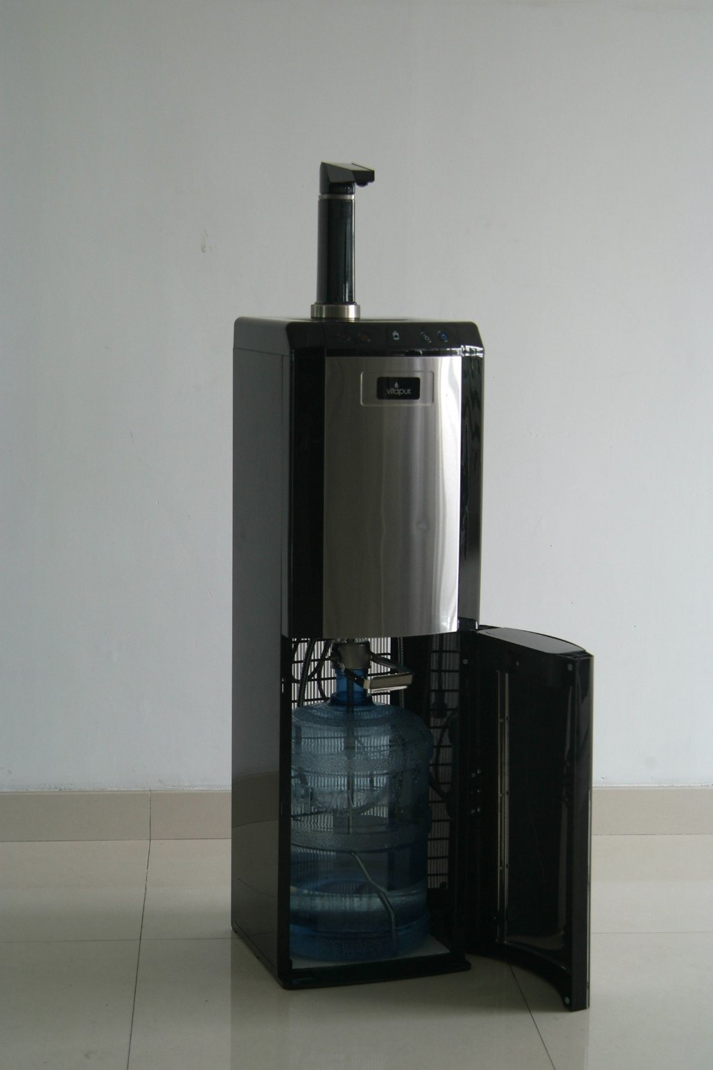 China Water Dispenser with Top Faucet Photos & Pictures - Made-in ...