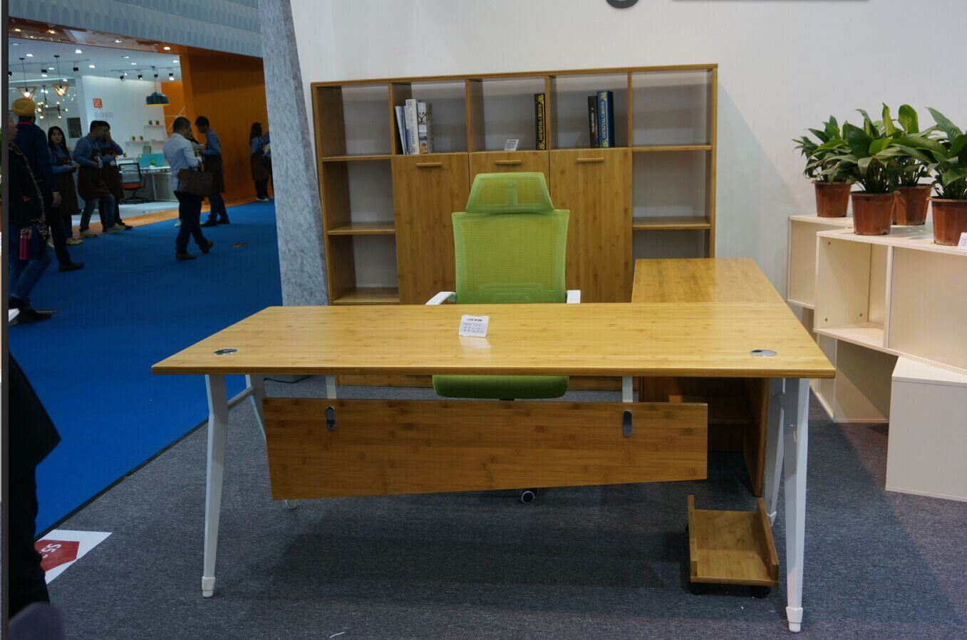 China Computer Desk Bamboo Office Table Furniture