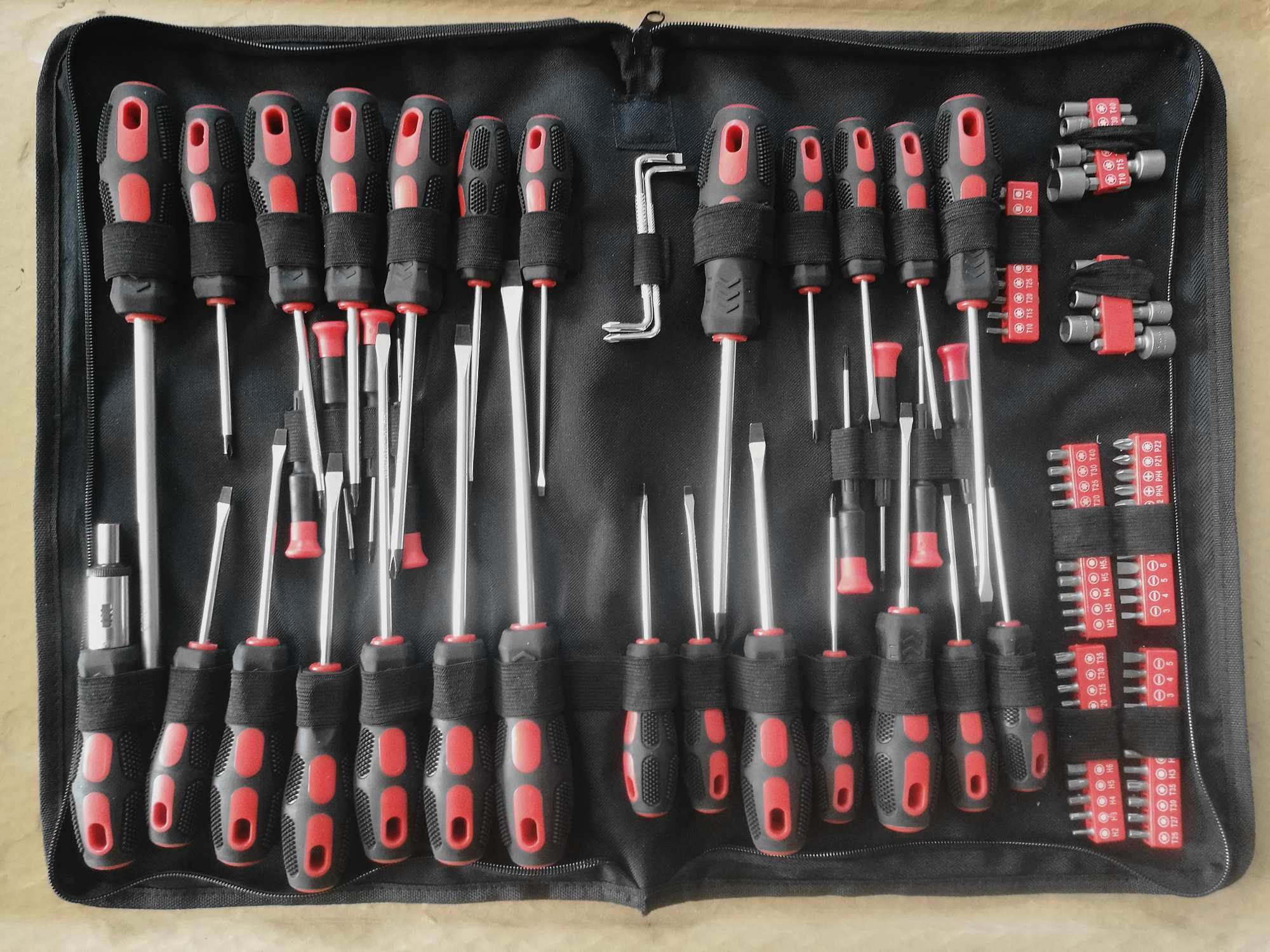 Hot Sale-100PCS Screwdriver Hand Tool Kit (FY1100B-1) pictures & photos