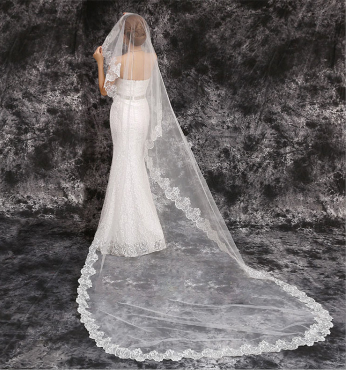 2017 Hot Sale Cathedral Length Lace Edge Bridal Veil Wedding Accessories pictures & photos