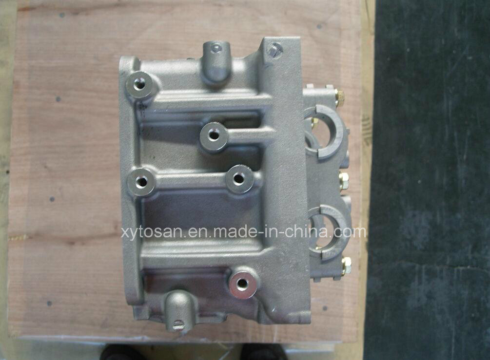 China 4m42 Engine Parts 4m42at Cylinder Head Me194151 for