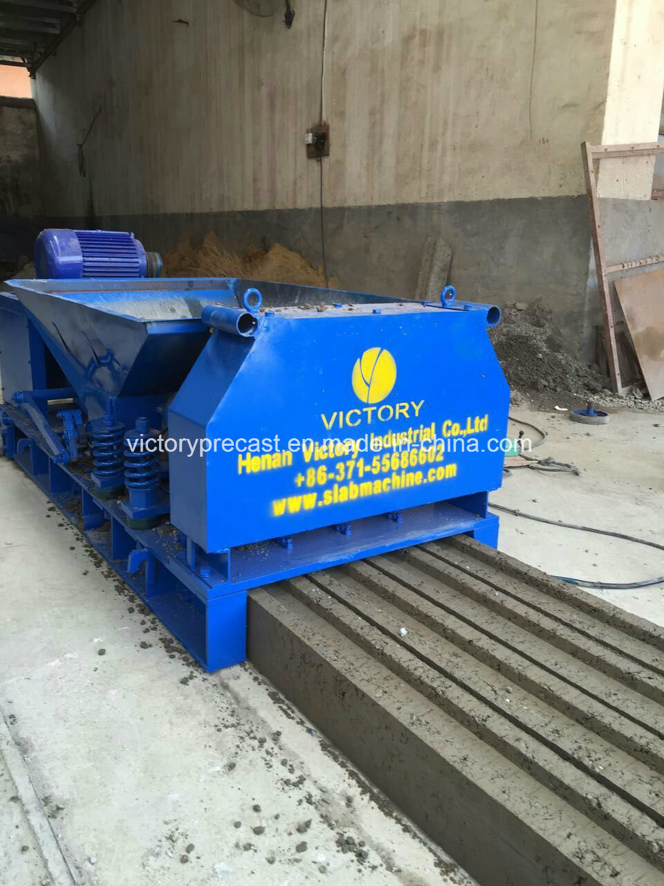 China Concrete Fence Posts and Panels Making Machine Photos