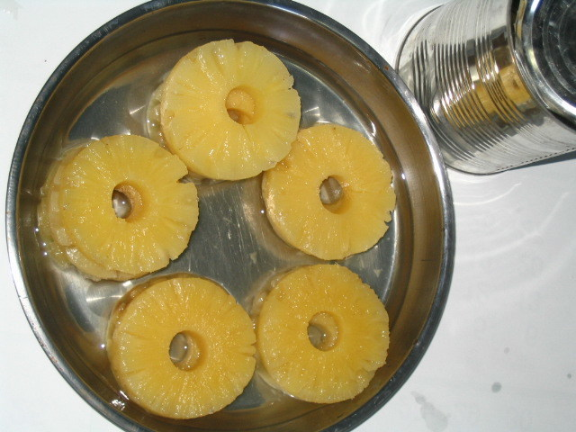 Canned Sliced Pineapple in Light Syrup Natural Taste