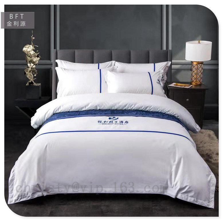 China Hot White Cotton Hotel Bed, White And Navy Hotel Bedding