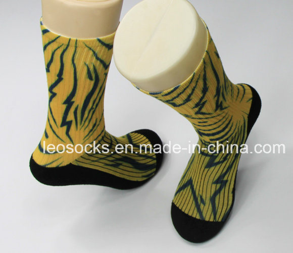 3D Printed Socks 360 Wholesale Digital Print Men Soccer Socks Sublimation Basketball Socks pictures & photos