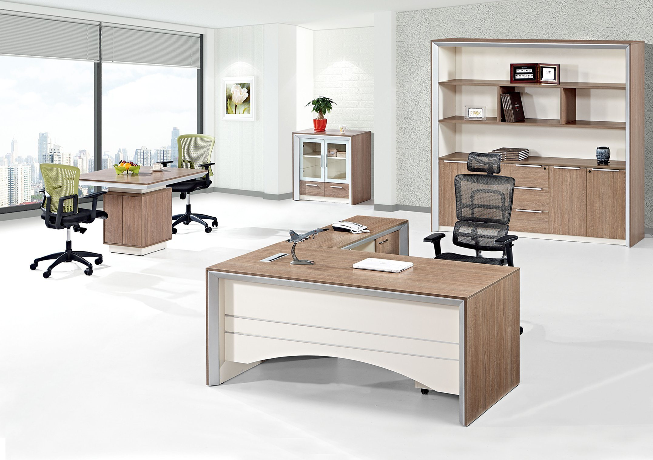 China Modern Aluminium Alloy Executive Desk Melamine Manager Table For Project Office Computer
