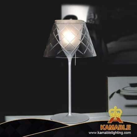 Carbon Steel Gl Shade Table Lamp