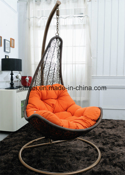 Maple Leaf Strips Swing Chair pictures & photos