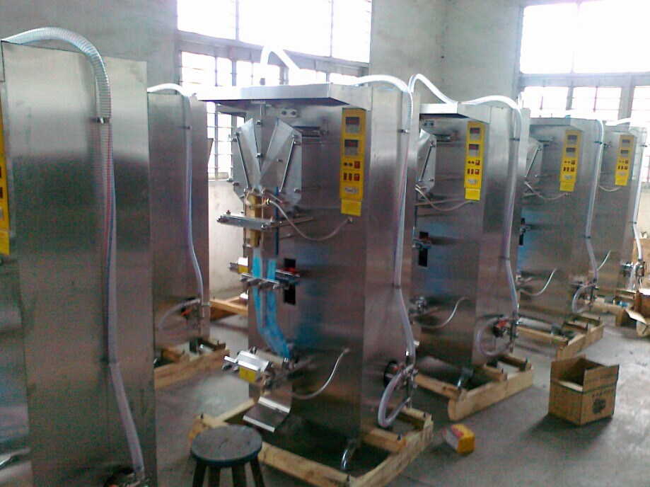 Full Automatic Water Sachet Filling and Sealing Machine