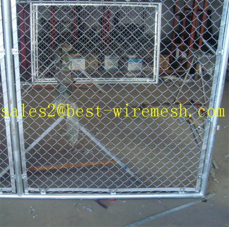 Basketball Stadium Chain Link Fencing/PVC Coated Chain Link Fence pictures & photos