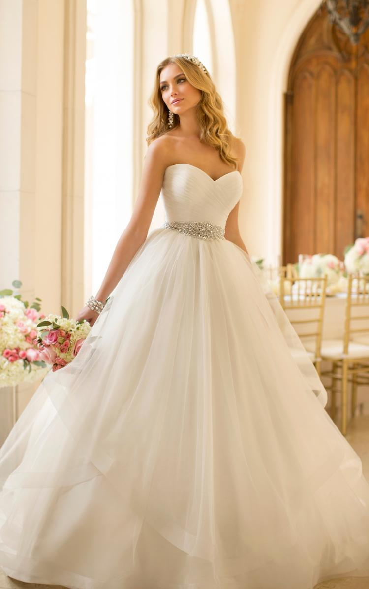 China Strapless Sweetheart Bridal Ball Gowns Puffy Tulle Wedding ...