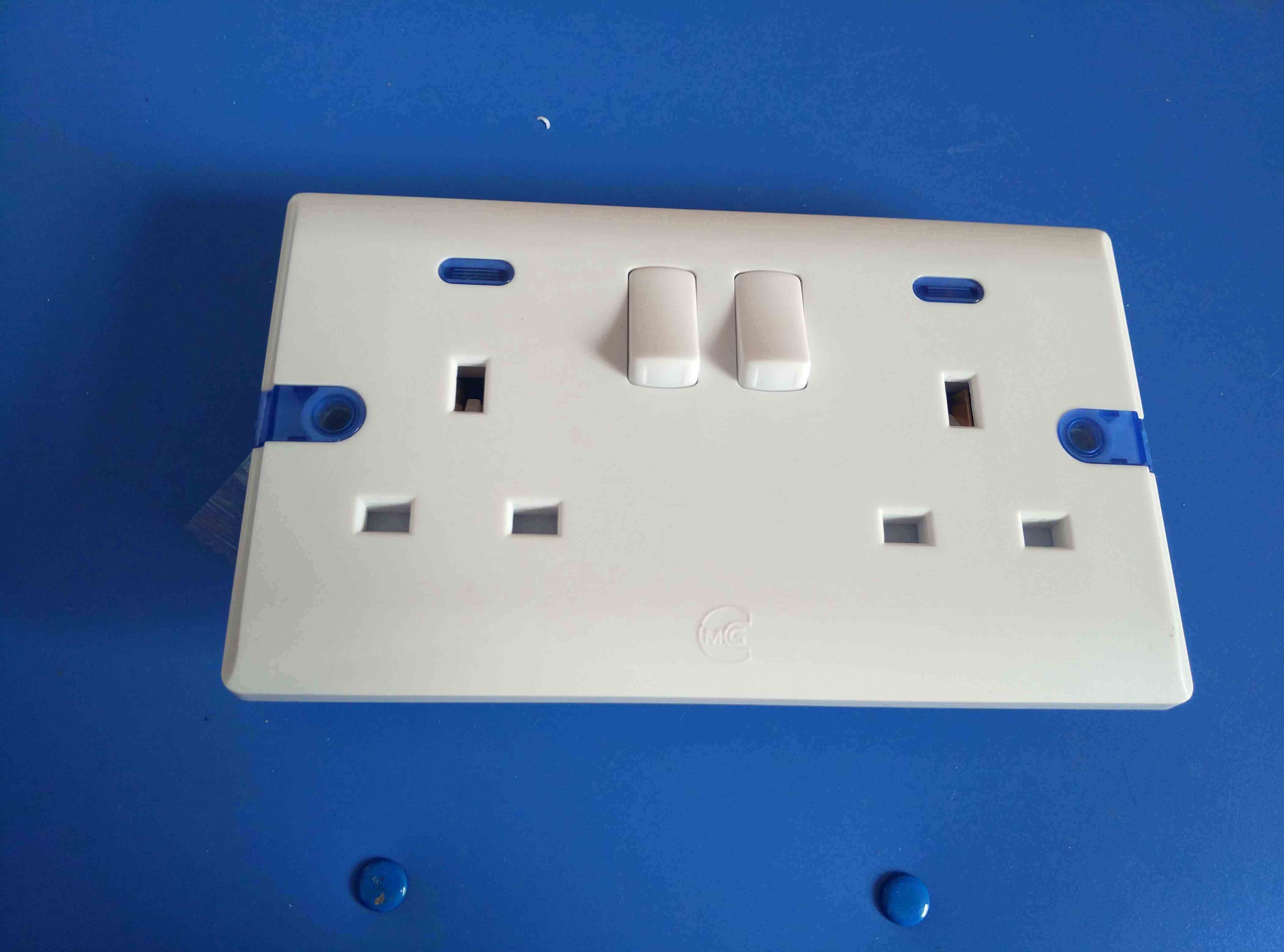 China 13A/15A with Light Bakelite Wall Switch (W-106) Photos ...