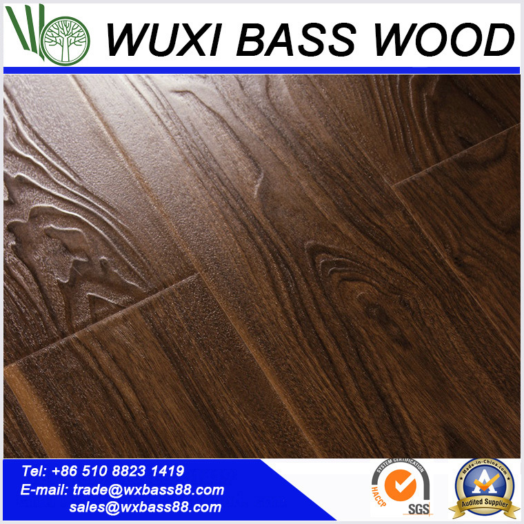 China Small Embossed Laminate Flooring With Unilin Laminated Floor