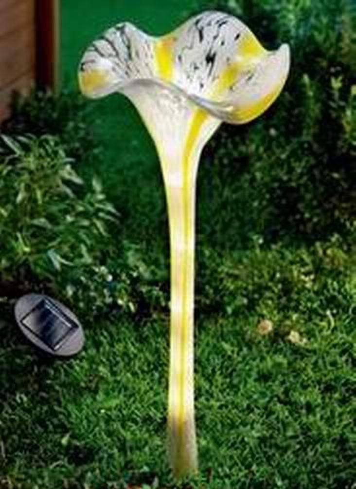 China Solar Munaro Hand Blown Glass Flower Iron Stake