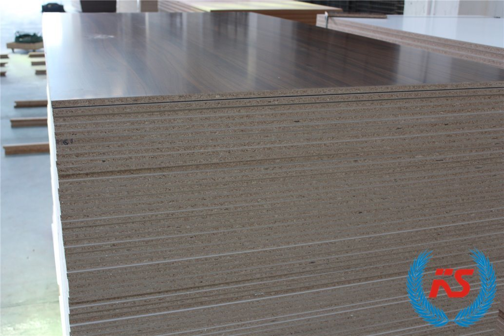 China 3 18mm Laminated Mdf Melamine Board For Furniture Decoration Plain Particle