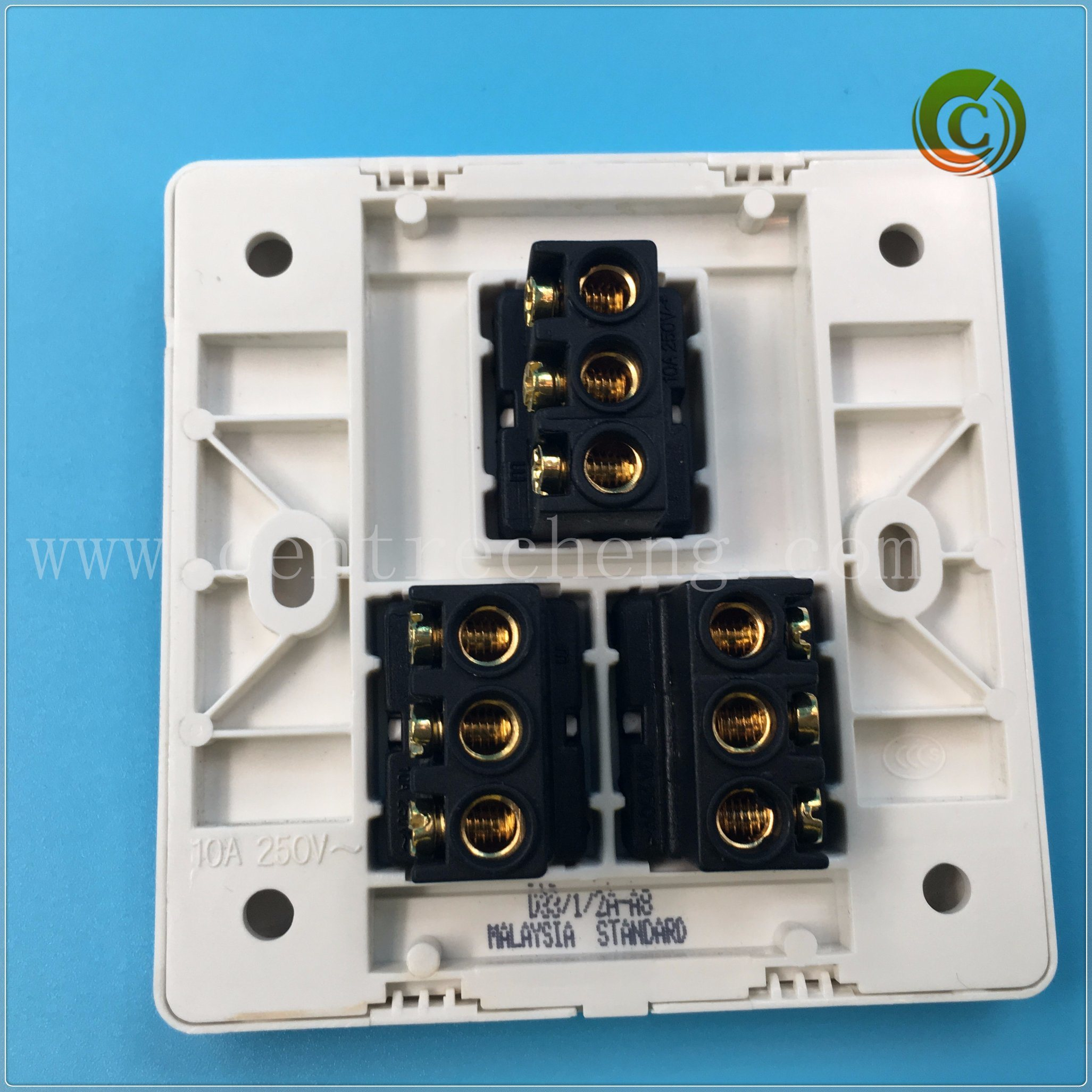 China 3 Gang 2 Way Switch White Wall Electrical Two Vs Light