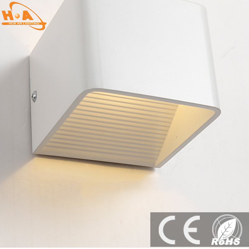 Simple Design LED Wall Lamp Modern Indoor Wall Sconce