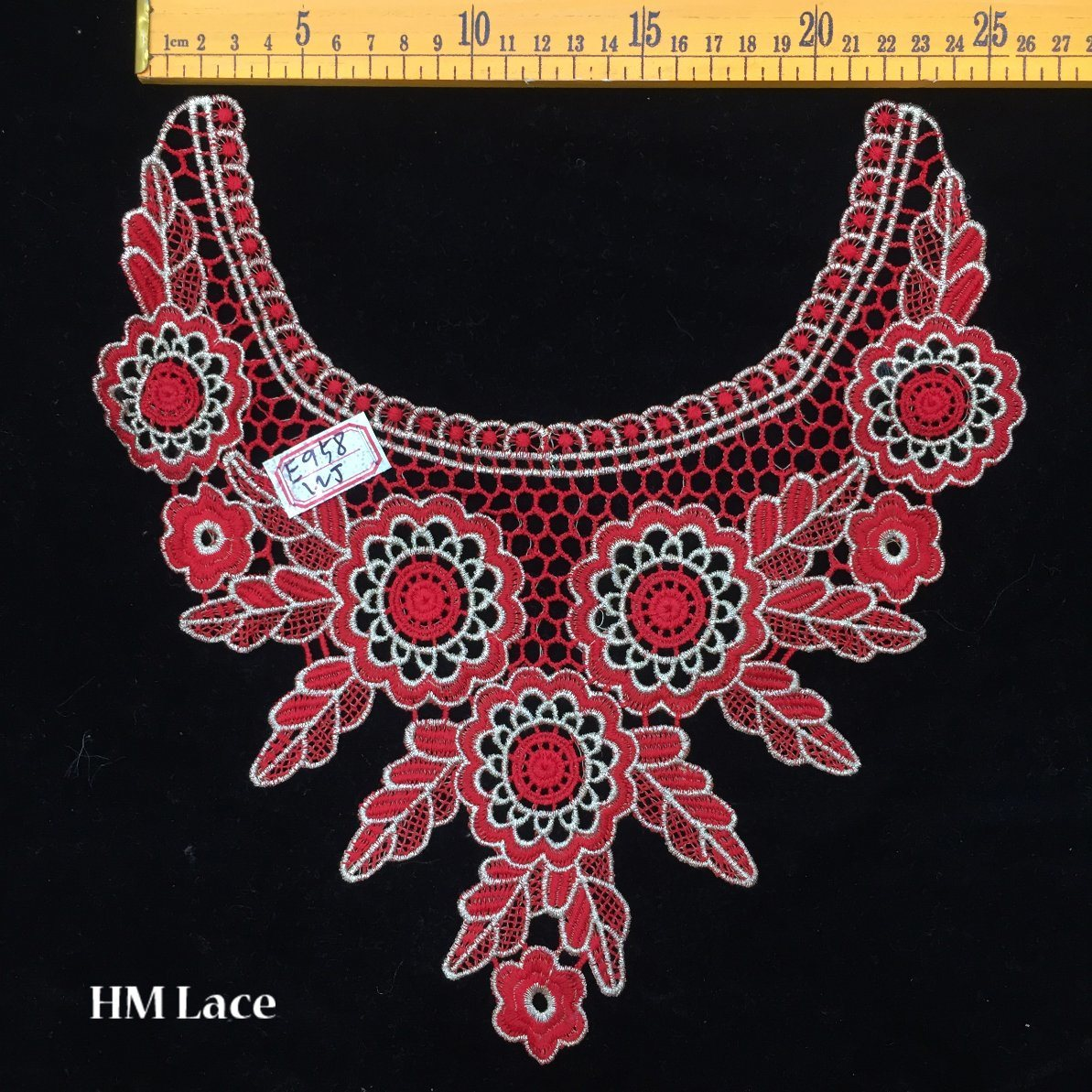 China 2727cm Eyelet Red Banquet Dress Lace Collar With Big Flower