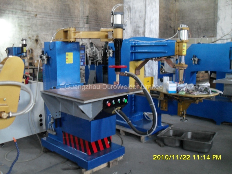 Automatic Operating Platform Spot Welding Machine pictures & photos