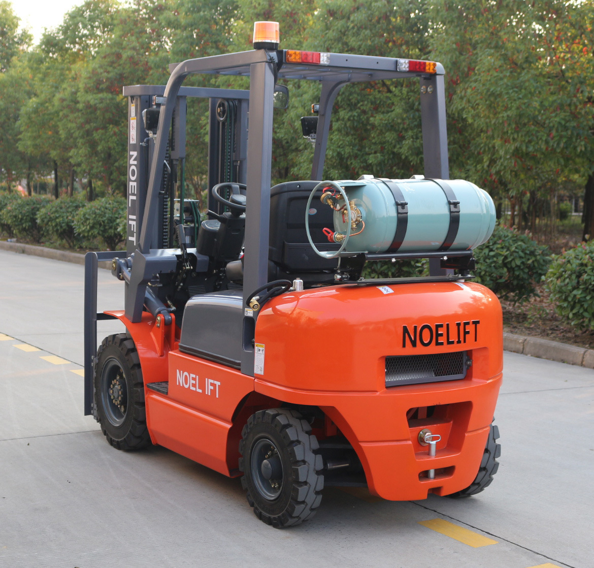 China Canada Short Axle Type 2.5ton LPG Forklift with Cushion Tyres in  Japan Nissan Engine - China Double Fuel Forklift, Gasoline Forklift