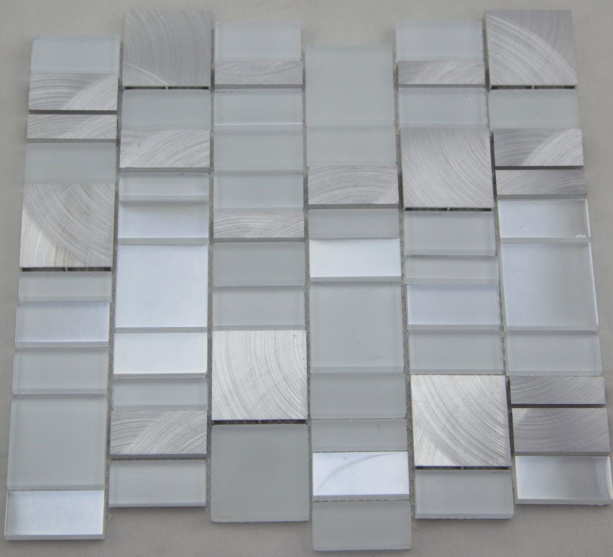 Aluminum Mix White Glass Mosaic Wall Tile (HGM391)