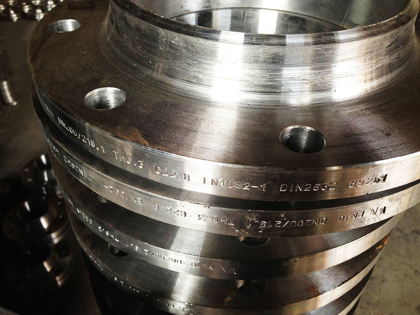 C22.8 Bs En1092-1 DIN 2632 Forging Flanges, P245gh P250gh DIN Steel Flanges