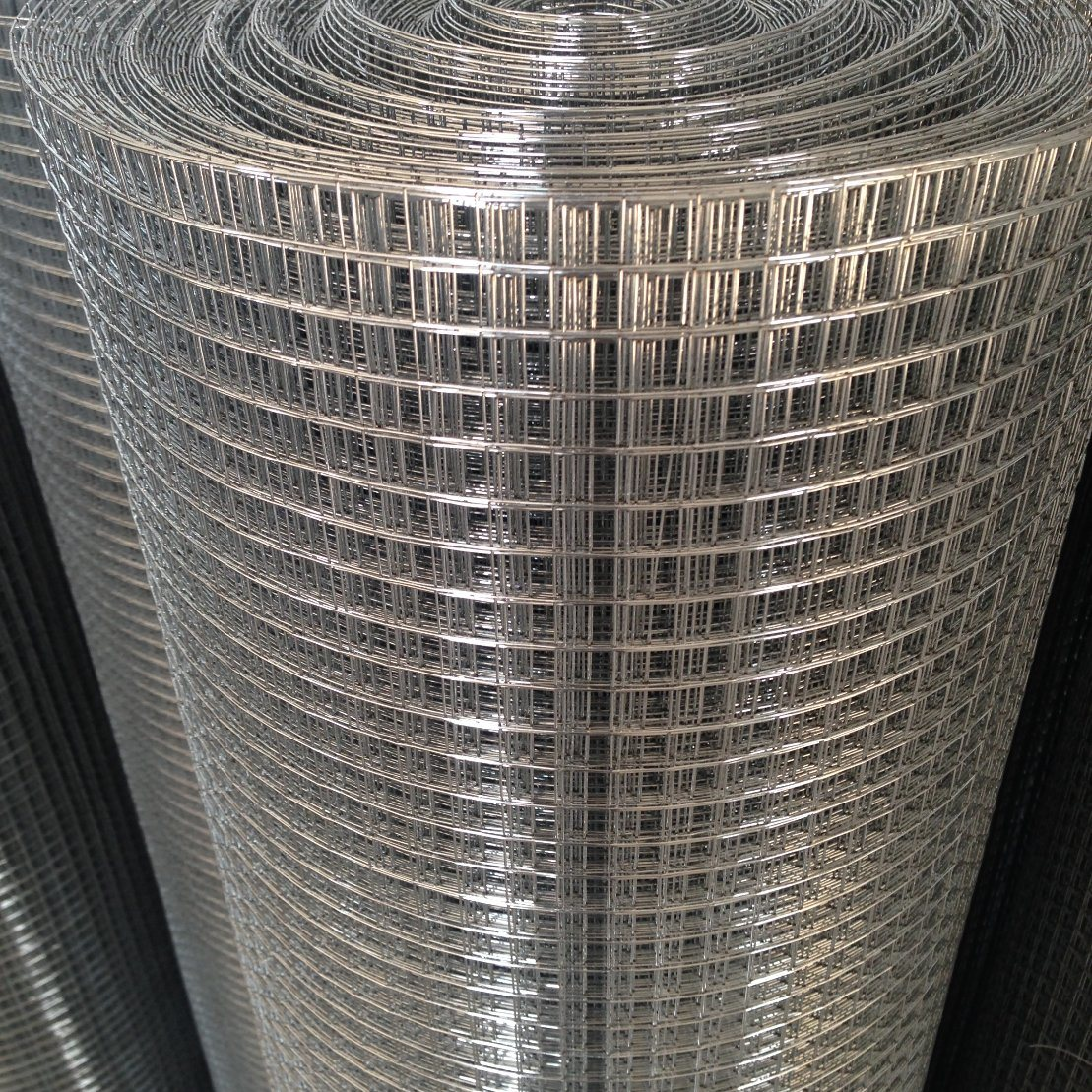 China Electro Galvanized Welded Wire Mesh 0.3mm-5.0mm Thickness for ...