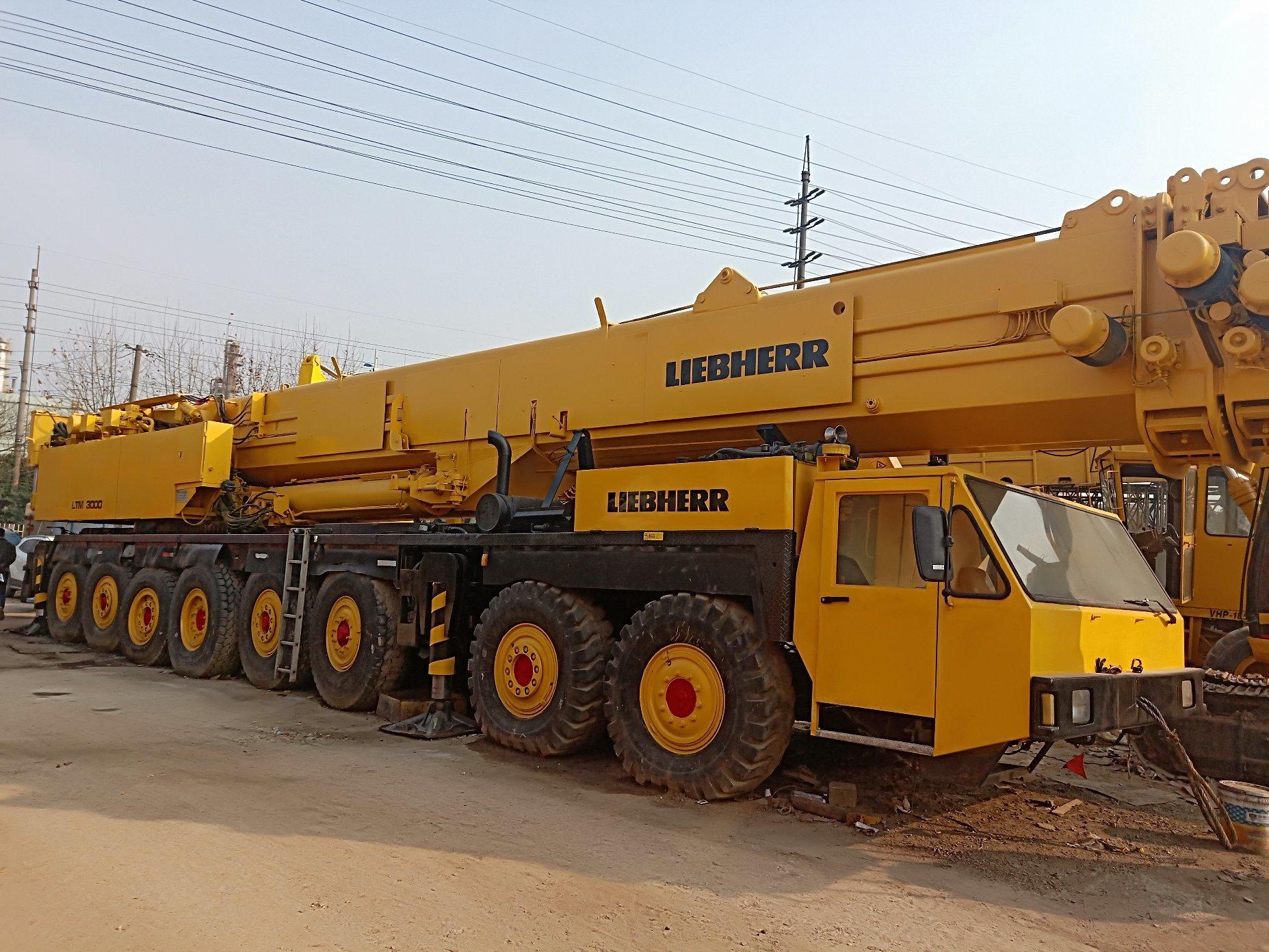 China Used Germany Liebherr Crane 300 Ton Mobile Truck
