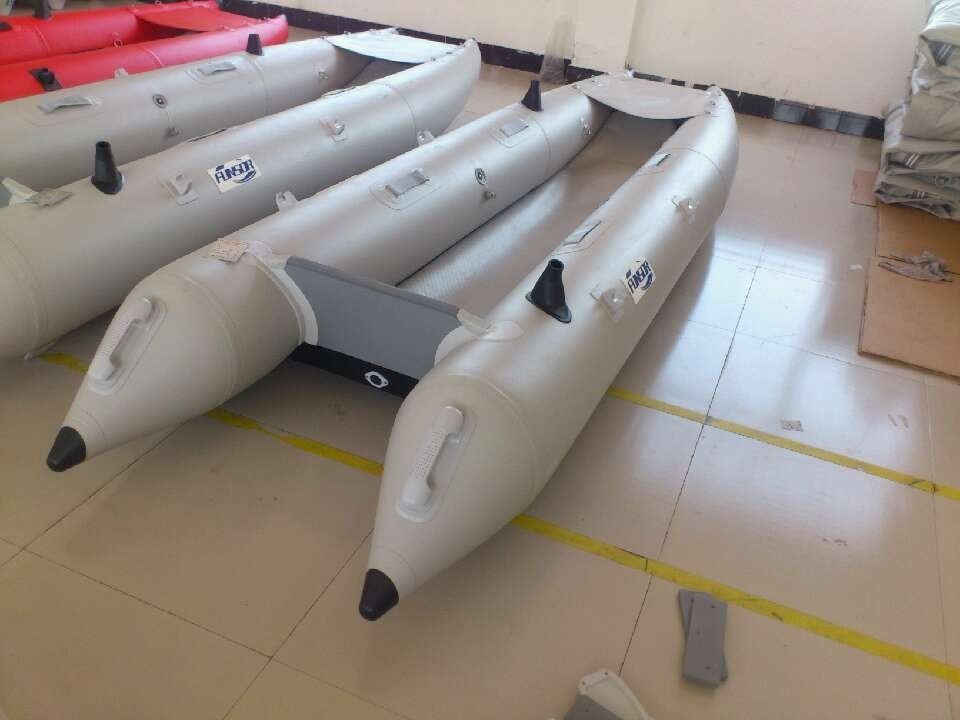 2014 New Fishing Kayak (3.6m, airmat floor) pictures & photos
