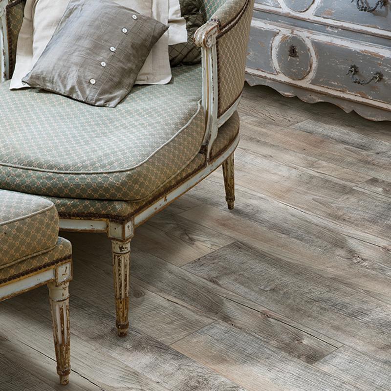 China 35mm Natural Wood Effect Lvt Pvc Vinyl Click Floor Tiles