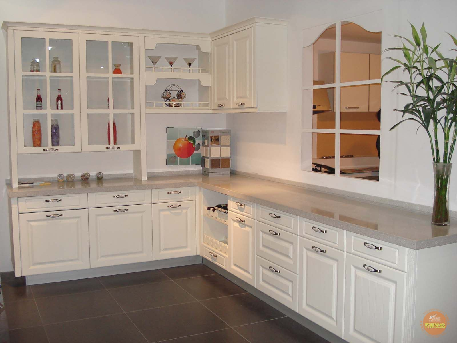 [Hot Item] Custormized Good Quality Factory Quality Kitchen Cabinet  Furniture
