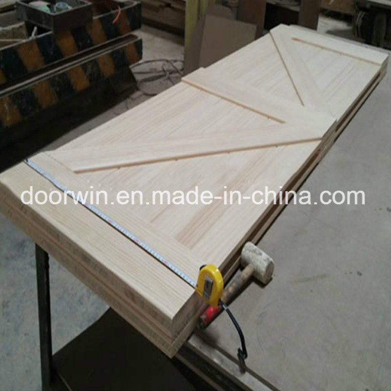 Custom-Made Solid Wood Interior Doors Room Door Designs Photo Sliding Barn Door to Sale & China Custom-Made Solid Wood Interior Doors Room Door Designs Photo ...