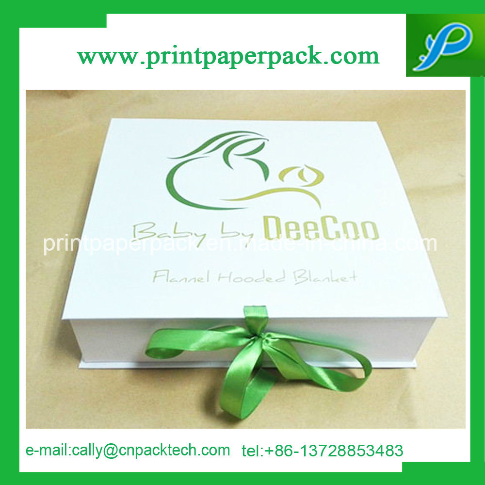 Pretty Gift Packaging White Rigid Cardboard Paper Box with Ribbon