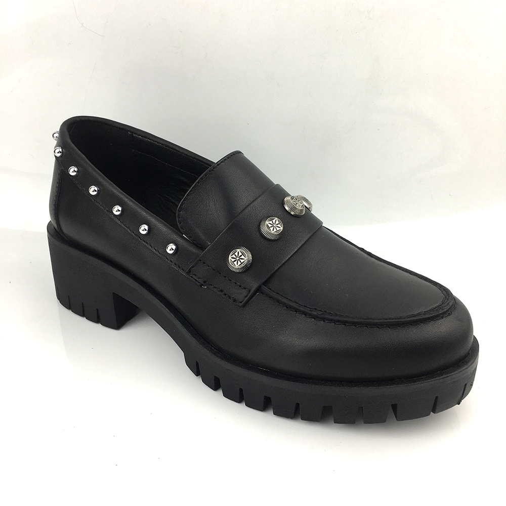 China Leather Flat Formal Shoes Women
