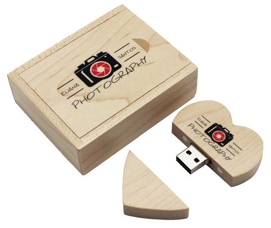 Wooden Heart Shape USB Flash Drive with Magnet Design Memory Stick Data Storage pictures & photos