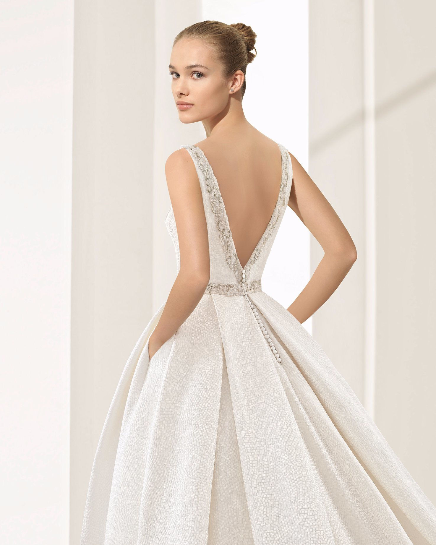 China Elegant Open Back V Neck Satin With Pocket Ball Gown Bridal 7bf263eeab49