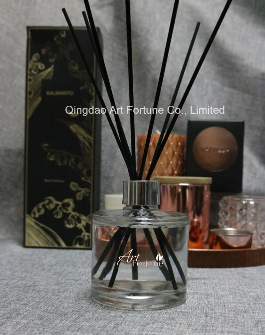 Luxury Aroma Essential Oil Reed Diffuser with Rattan Sticks for Gift Set pictures & photos