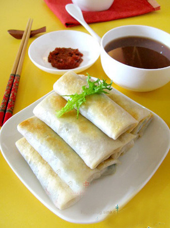 IQF Frozen 100% Hand Made Vegetable 40g/piece Cylinderical Elongated Egg Rolls pictures & photos