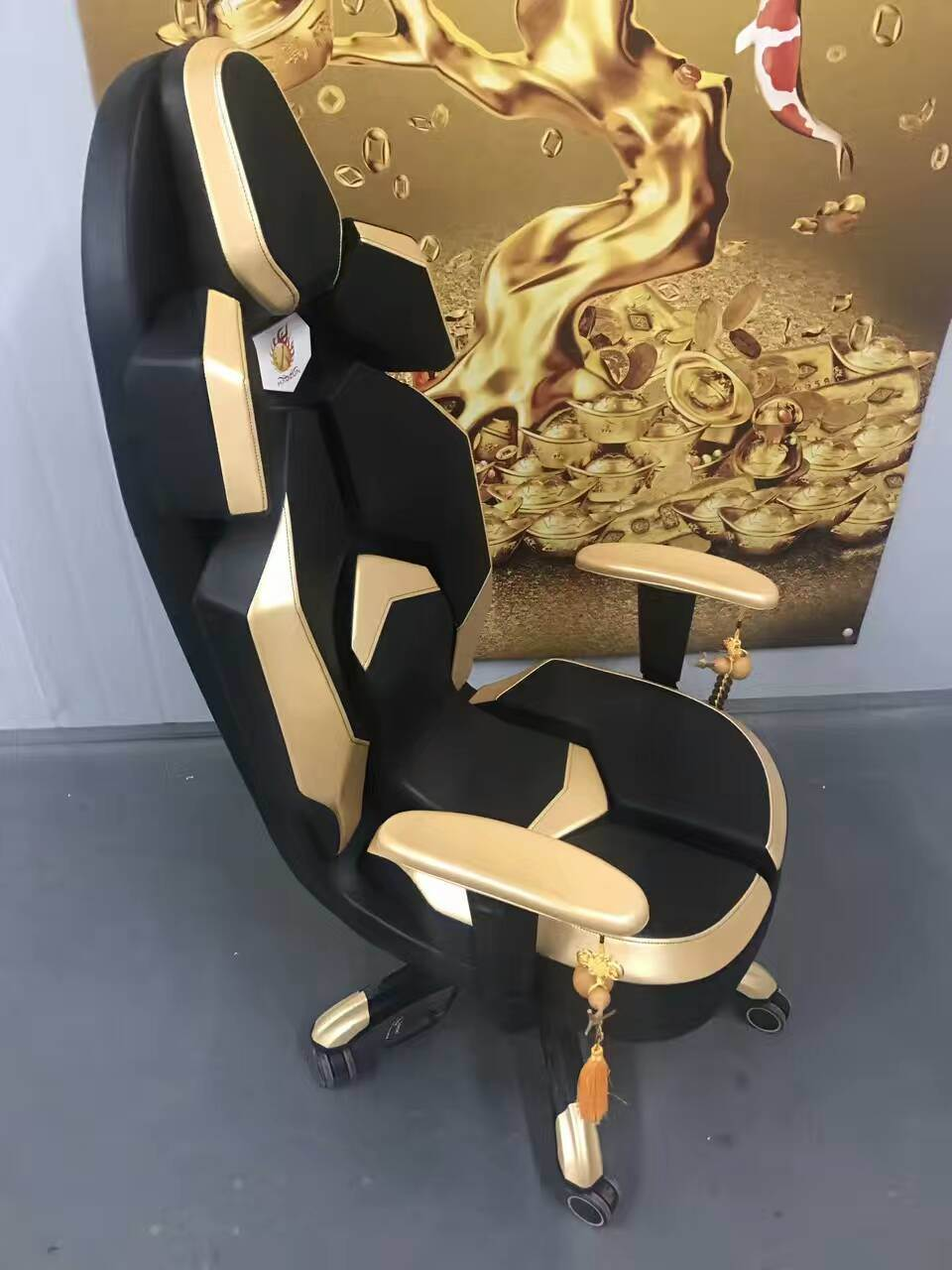China Wind Fortune Office Boss Chair