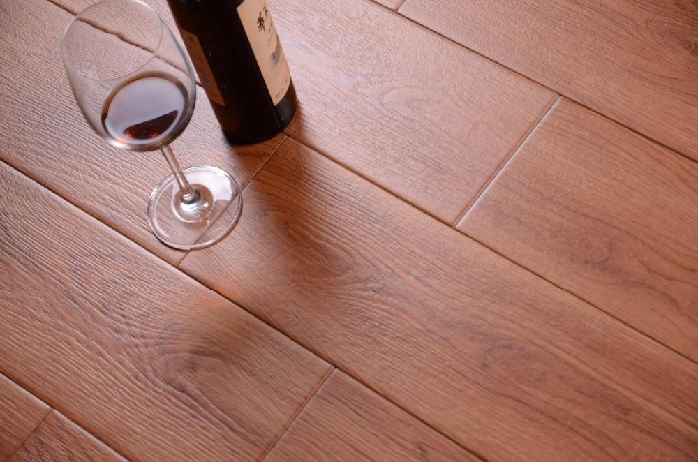 China Good Quality European Flooring Wood Finish Ceramic Tile Photos