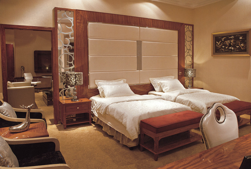Modern Hotel Furniture Luxury Bedroom Set pictures & photos