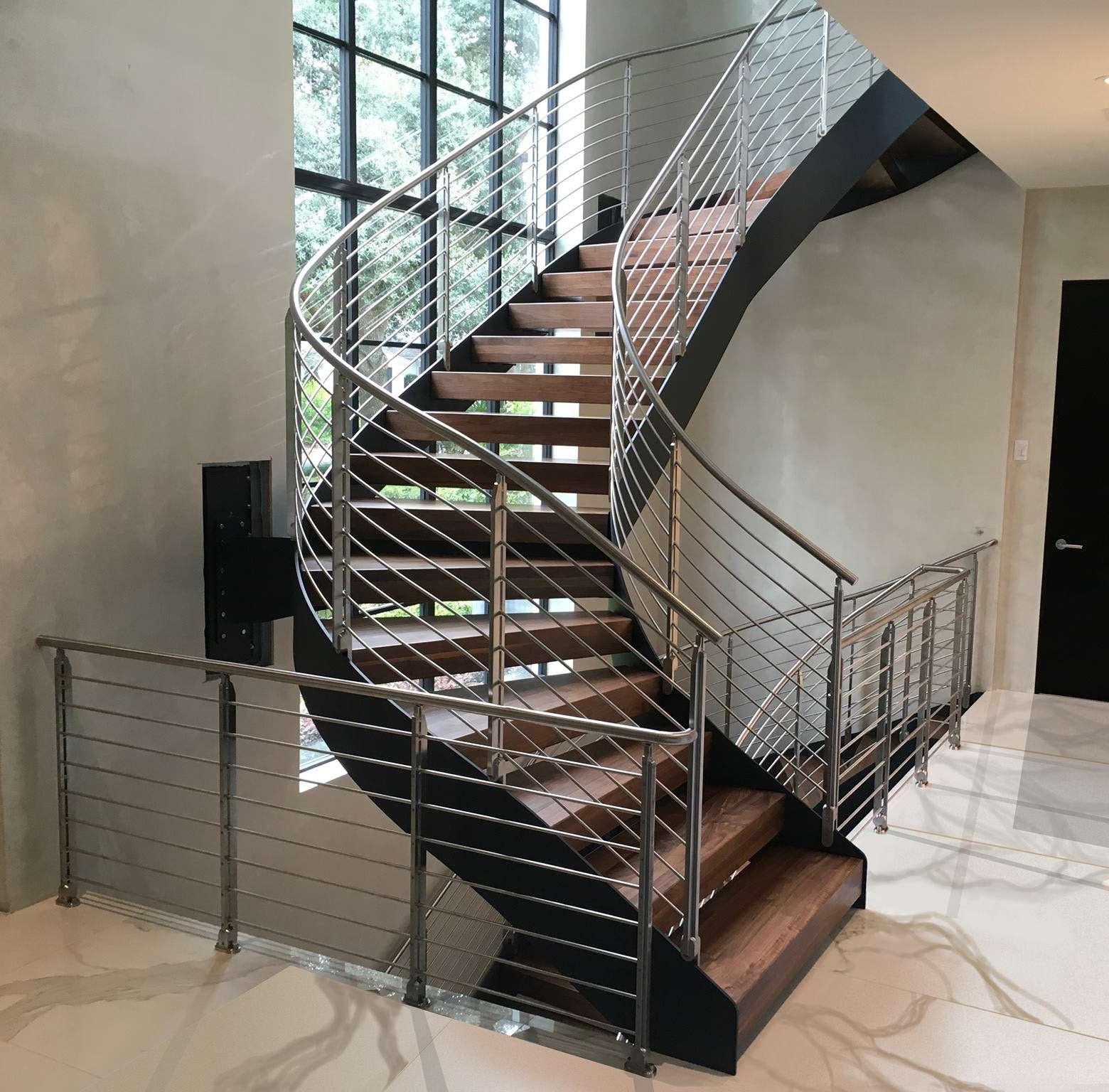 Picture of: China Modern Staircase Design Wood Steel Curved Staircase Decorative Interior Staircase China Staircase Design Wooden Staircase