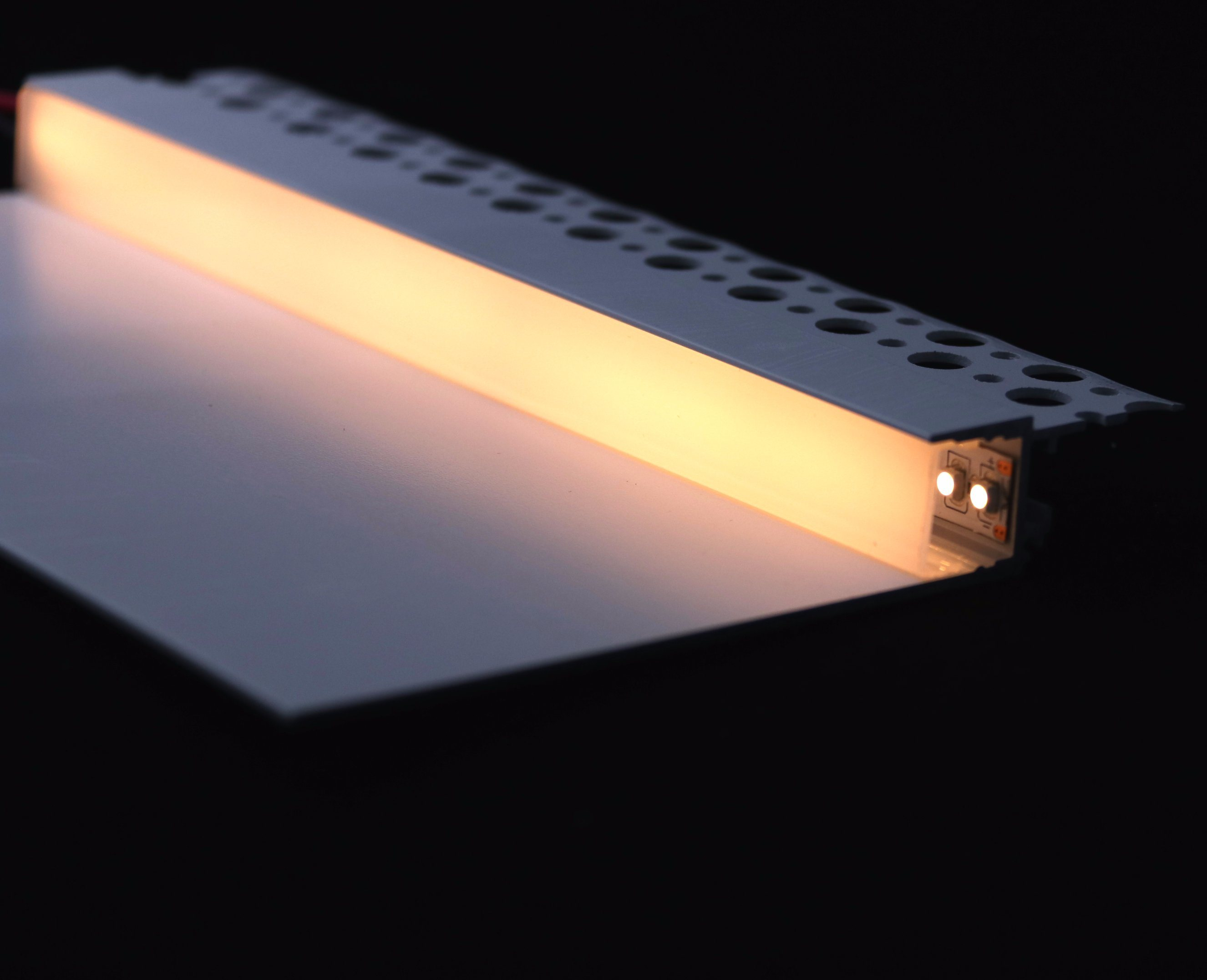 China 2018 New Type Factory Up Down Indirect Light Cove Plaster Led Aluminum Profile
