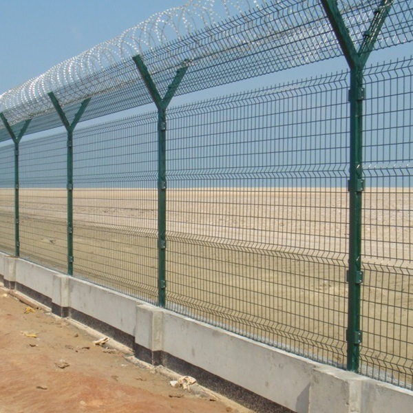 Galvanzied and PVC Coated Military Security Electric Welded Fence Panel Wire pictures & photos