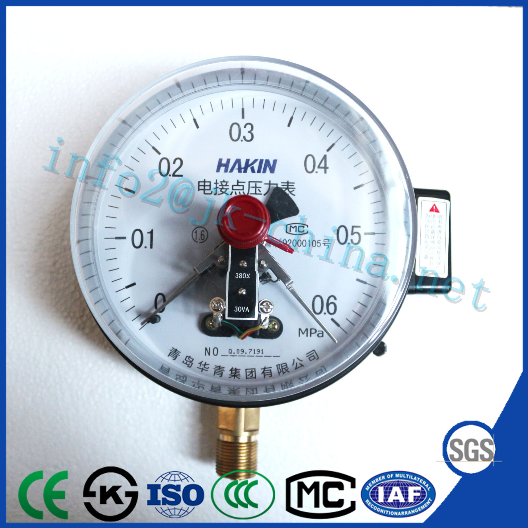 Wholesale Ordinary Black Shell Electric Contact Pressure Gauge pictures & photos