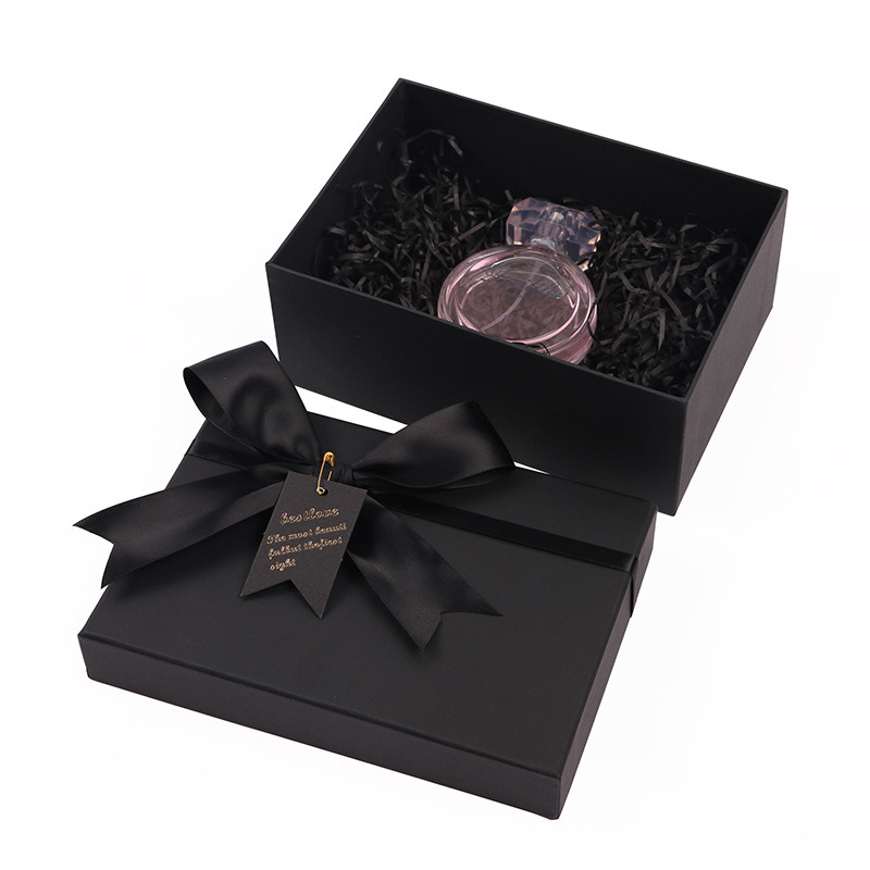 Foil Printing Round Wine Makeup Perfume Gift Cardboard Paper Box pictures & photos