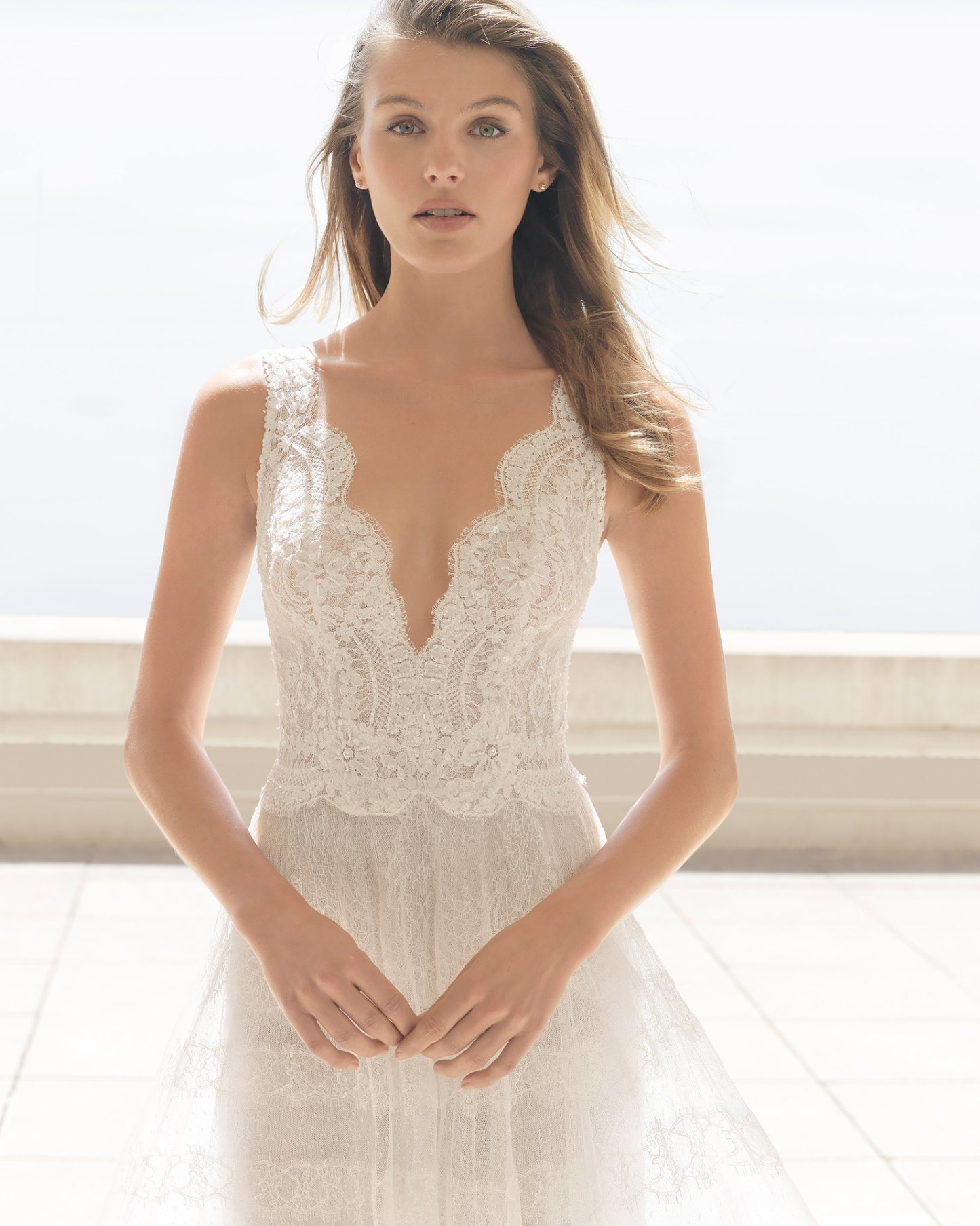 China Fashion Shoulders Princess Tulle Bridal Wedding Dress - China ...